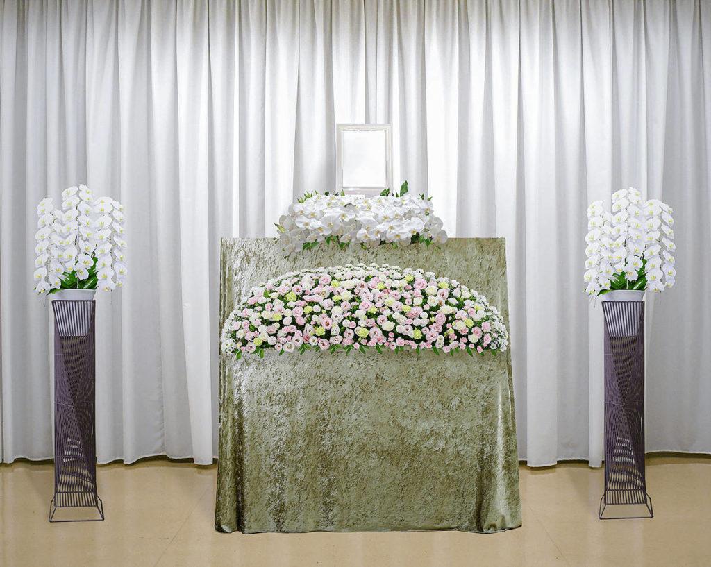 胡蝶蘭メインの祭壇への変更について