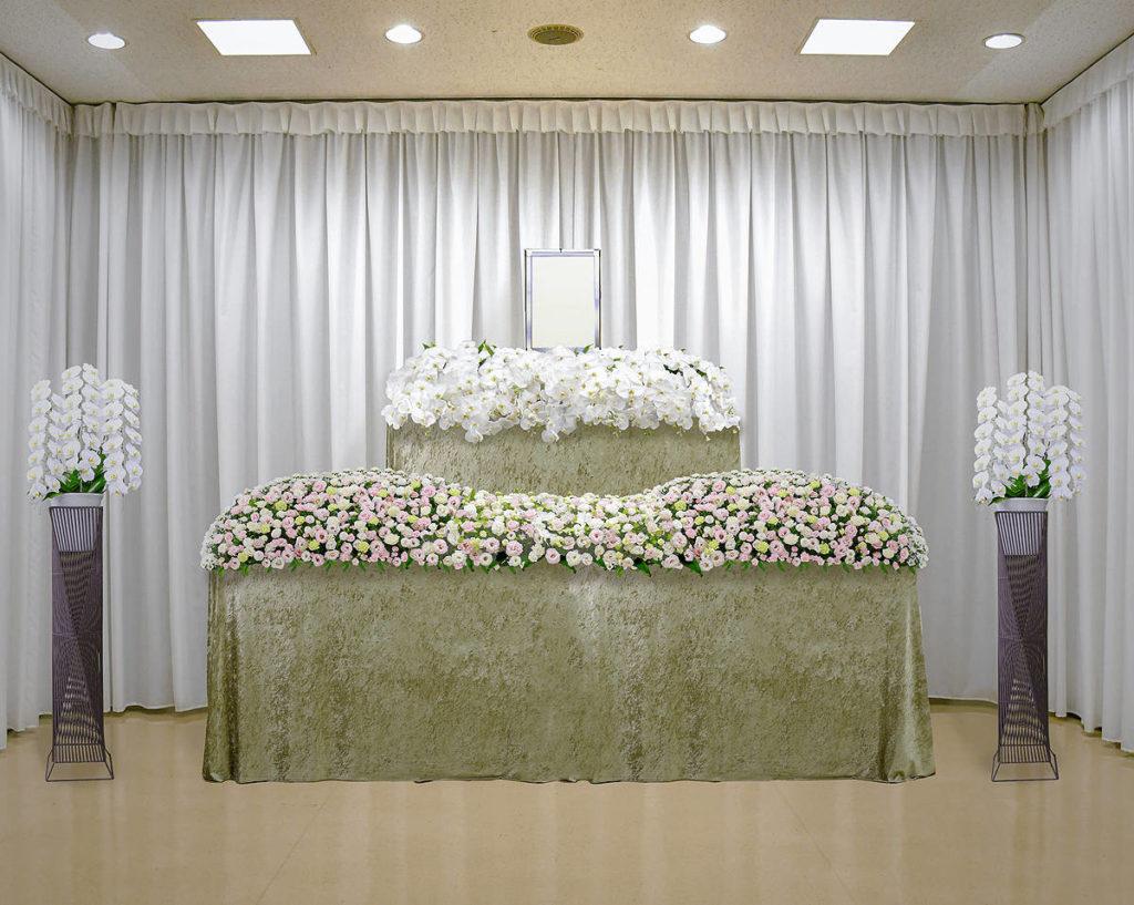 胡蝶蘭タイプの花祭壇