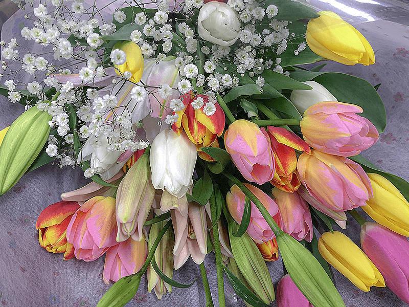 季節に合わせた花束